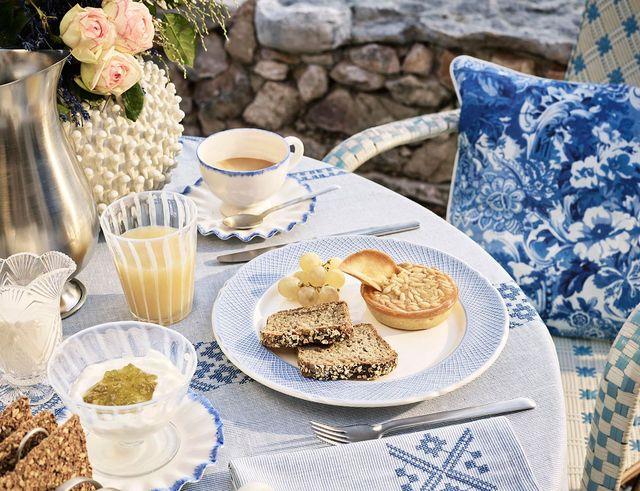 Zara Home Cabinet de Curiosités - Biel i błękit w wystroju na lato