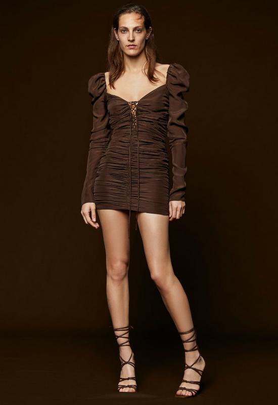 Brzydka sukienka z Zary, która świetnie prezentuje się na instagramie!