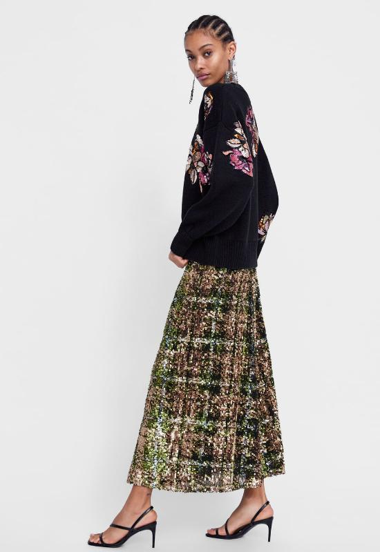 Wszyscy twierdzą, że ta spódnica z Zary będzie hitem tegorocznych świąt!