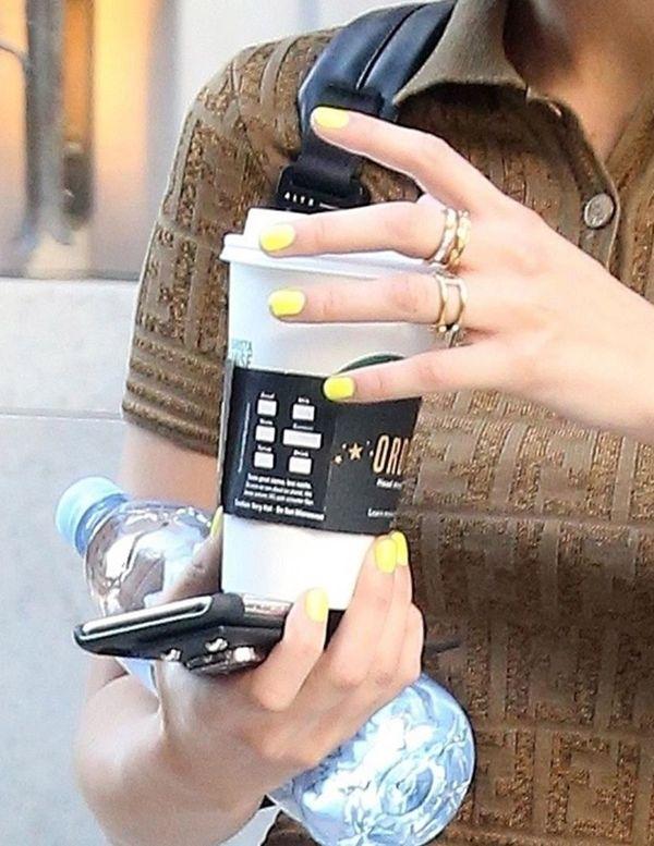 Chyba nawet sama Bella Hadid nie podejrzewała, że jej manicure zostanie...