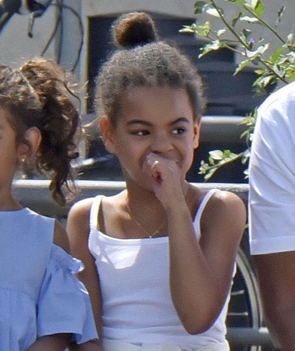 Blue Ivy wygląda jak kopia Beyonce! Córka coraz bardziej podobna do mamy!