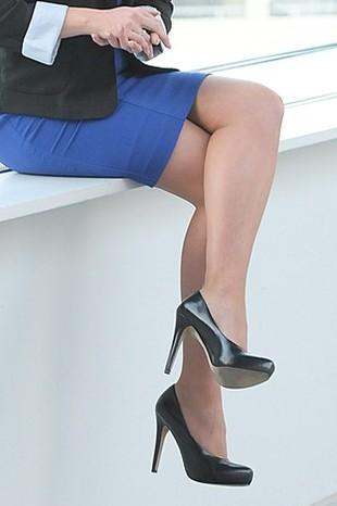 Krzyżowanie nóg nie powoduje żylaków!