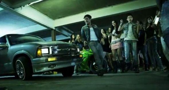 Seksowny Zac Efron w kampanii John John Denim (FOTO+VIDEO)