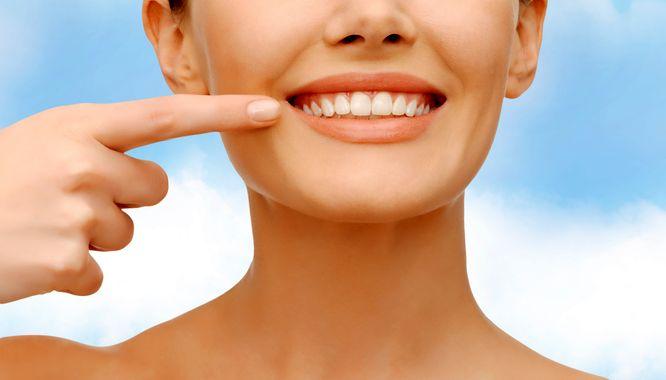 czym wybielać zęby