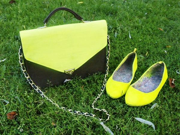 Zrób to sama: neonowe buty i torebka