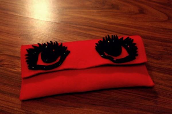 Zrób to sama:filcowa kopertówka z oczami