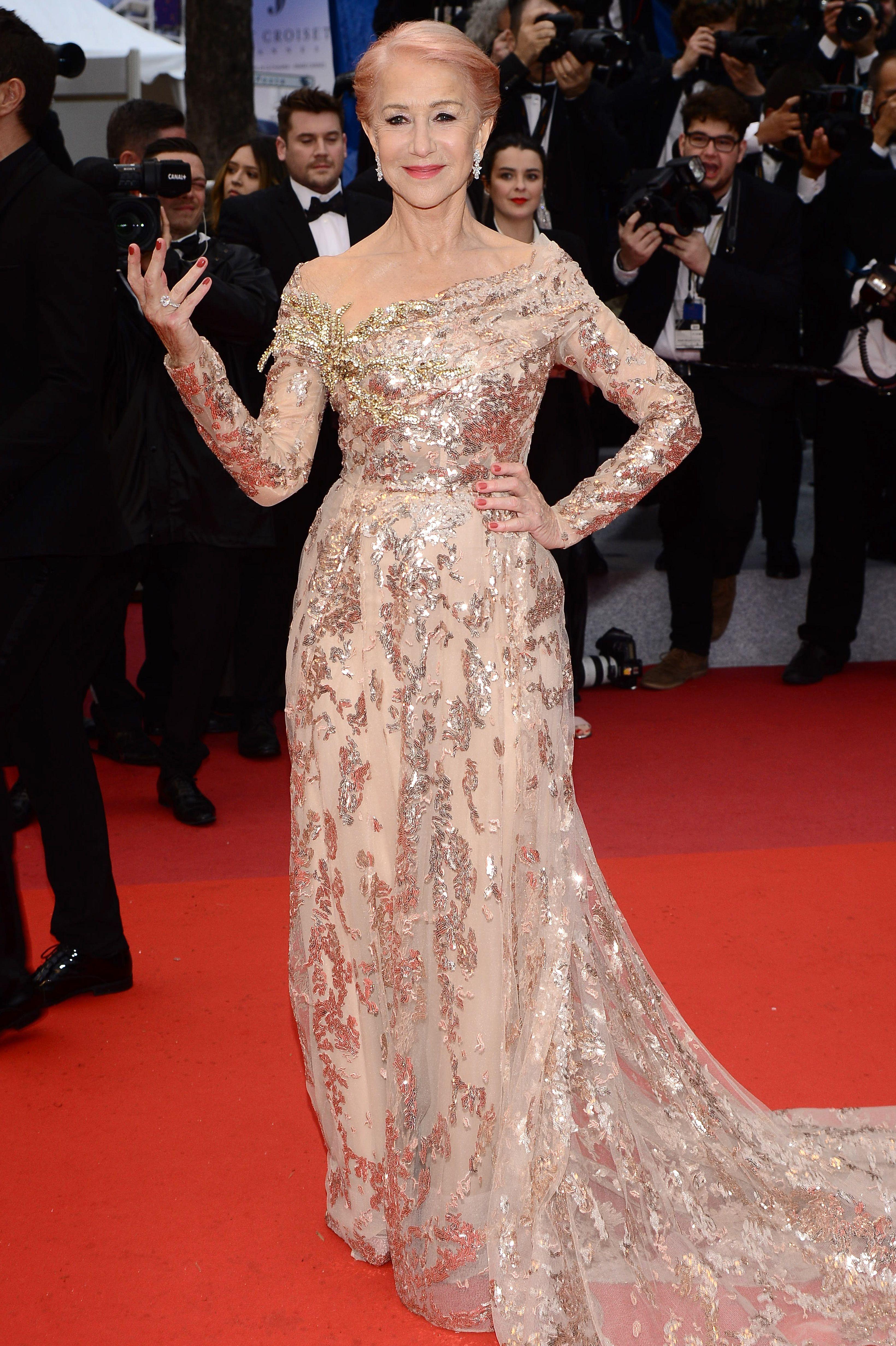 Helen Mirren postawiła na mocny kolor. Jej włosy są teraz różowe