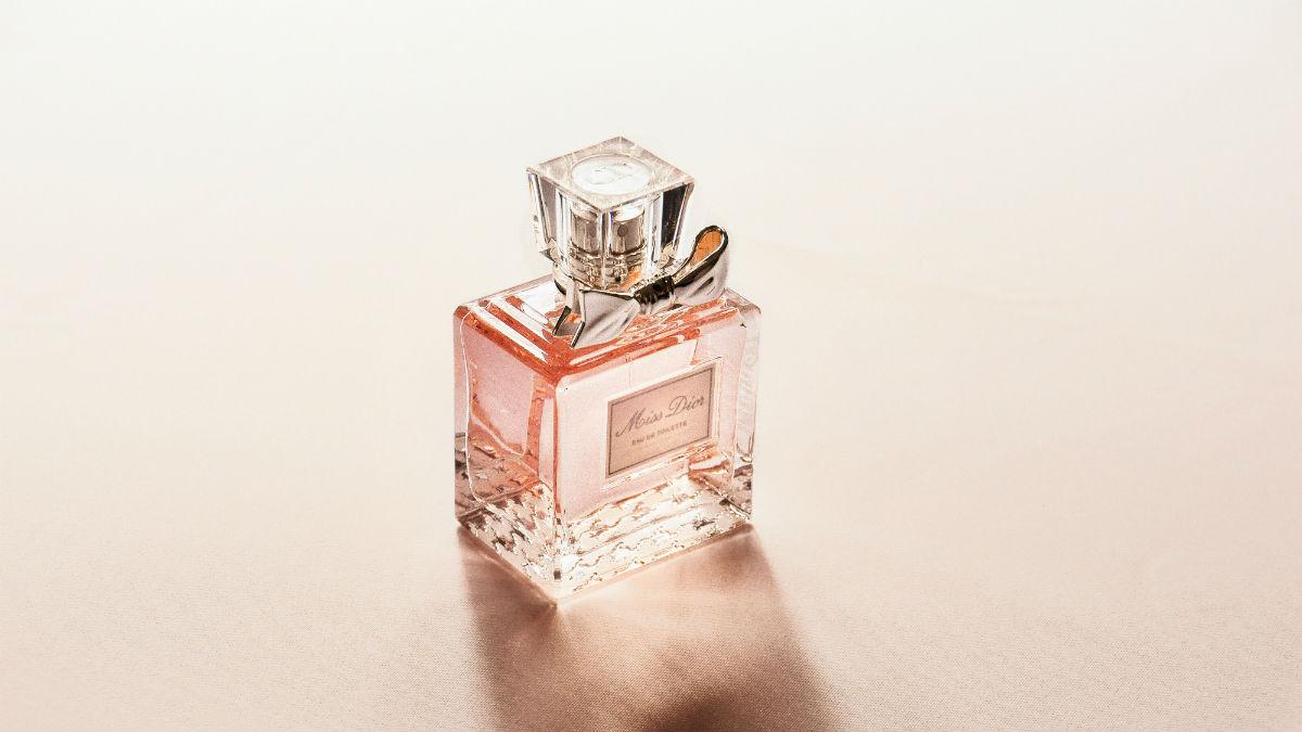 Te perfumy nie tylko pięknie pachną, ale też... odstraszają komary