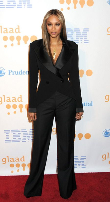 Tyra Banks w garniturze