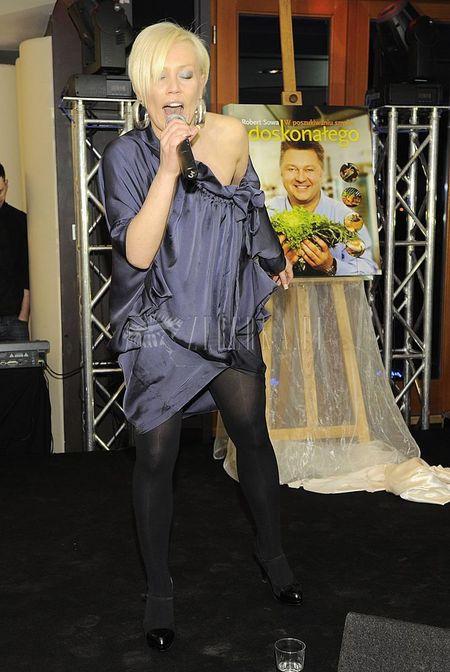 Bezkształtna sukienka Moniki Jarosińskiej