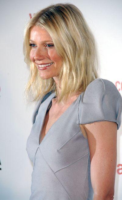 Poszerzane ramiona Gwyneth Paltrow