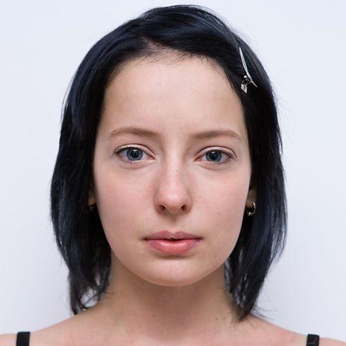 Makijaż w barwie pomarańczy