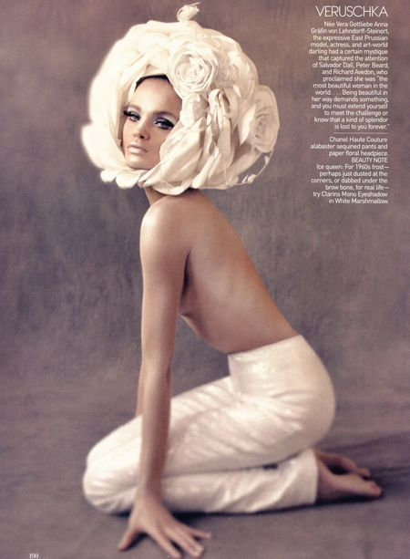 Natalia Vodianova wciela się w kultowe modelki