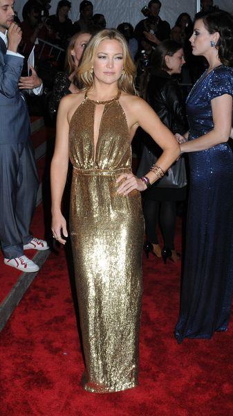 Liv Tyler i Kate Hudson w kreacjach Stelli McCartney