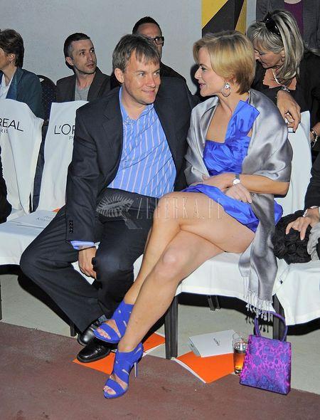 Monika Richardson śmiało odsłania nogi