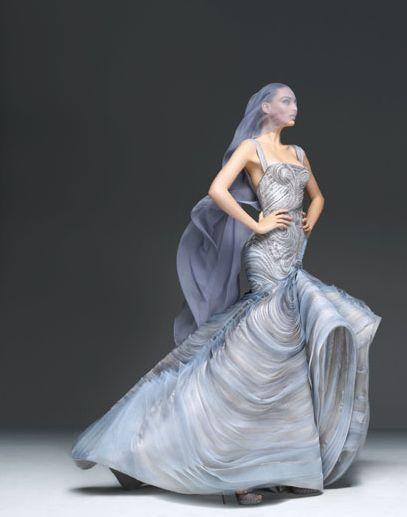 Eva Longoria w pięknej kreacji z Atelier Versace