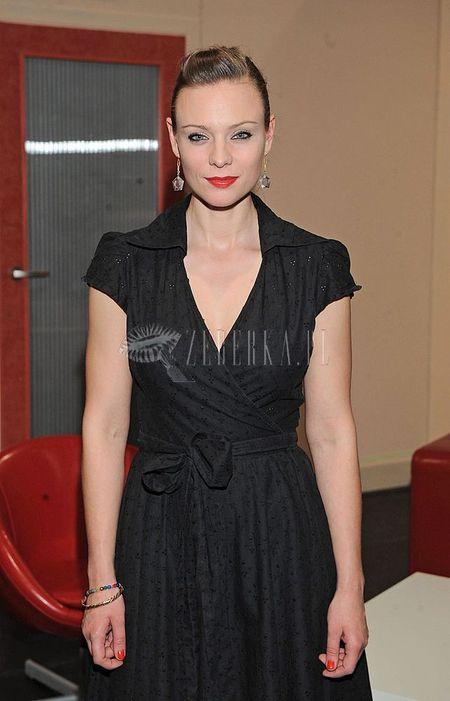 Magdalena Boczarska w kopertowej sukience