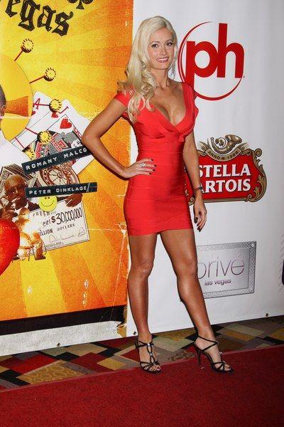 Bandażowa czerwień Holly Madison
