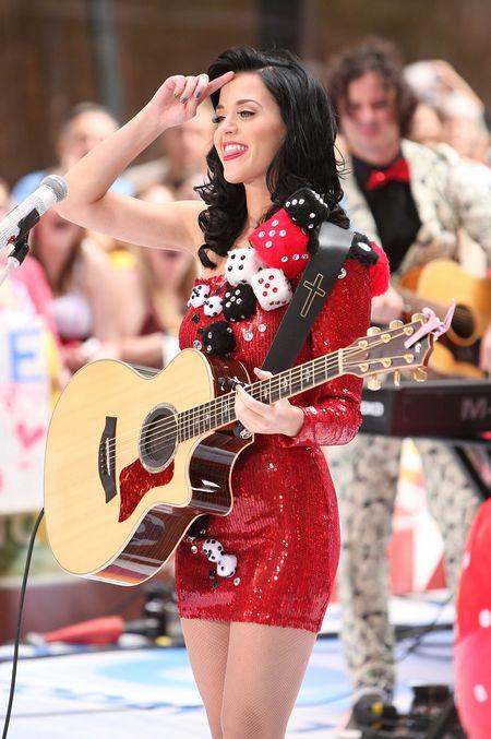 Katy Perry i jej kości do gry