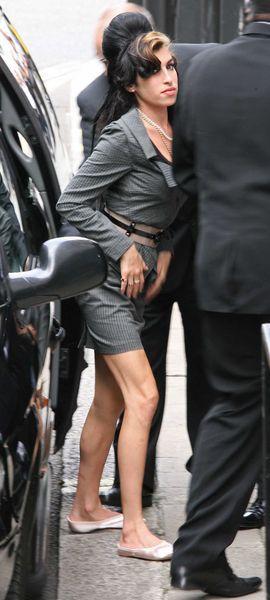 Blond grzywka Amy Winehaus