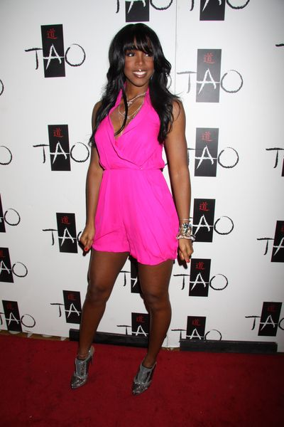 Kelly Rowland na różowo