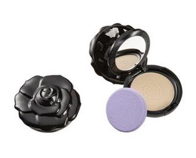 Agyness Deyn promuje makijaż Anny Sui