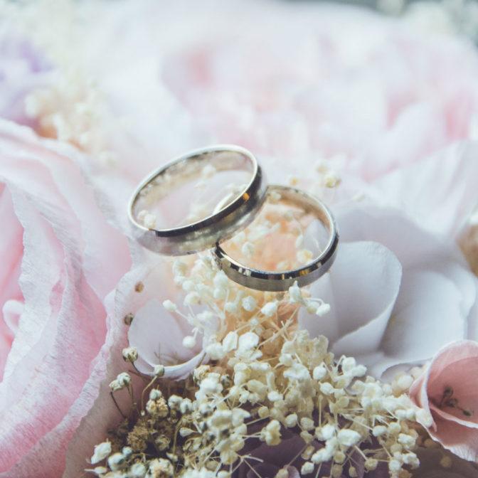 Najpiękniejsze propozycje na jesienny makijaż ślubny
