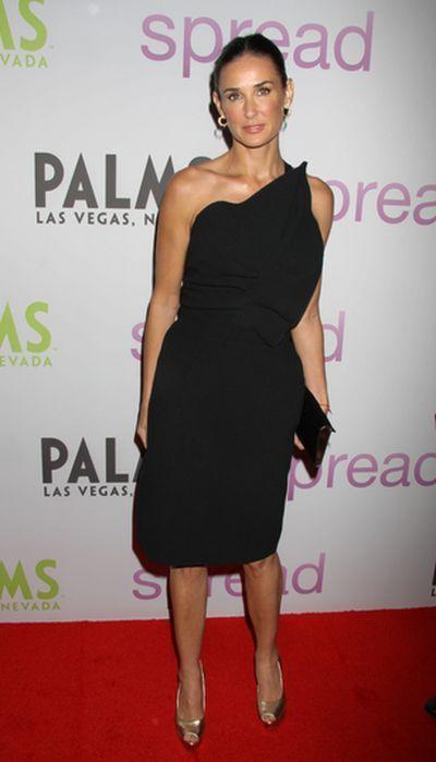 Demi Moore w małej czarnej