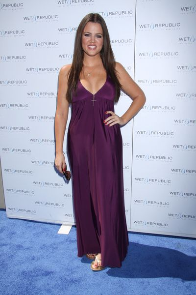 Khloe Kardashian w długiej sukni