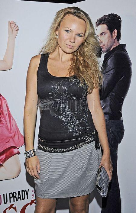 Ania Guzik eksponuje nogi
