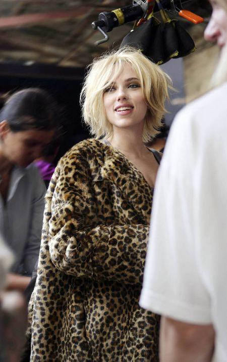 Scarlett Johansson dla Mango nosi perukę
