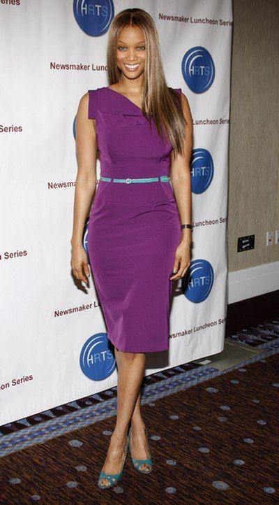 Tyra Banks elegancka w fiolecie