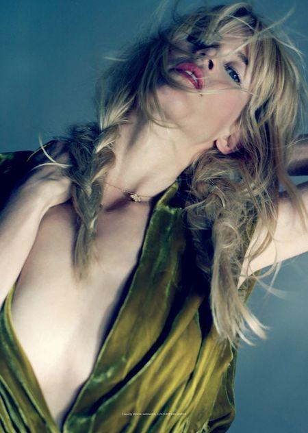 Claudia Schiffer pokazala wiele…