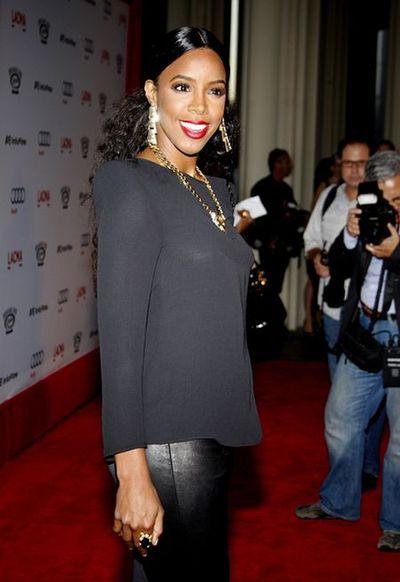 Kelly Rowland obwieszona biżuterią