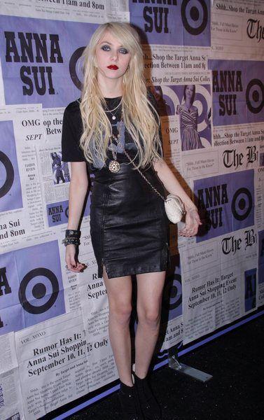 Jak szybko rosną włosy Taylor Momsen?