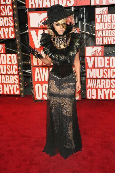 Lady GaGa straszy na VMA 2009