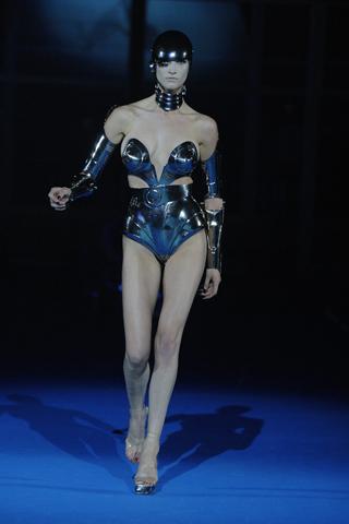 Suknie Lady GaGi jednak od projektanta
