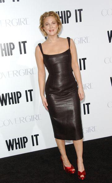 Drew Barrymore eksponuje figurę
