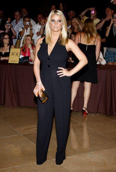 Jessica Simpson w kombinezonie