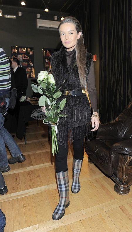 Kasia Sowińska wie, jak nosić kamizelkę