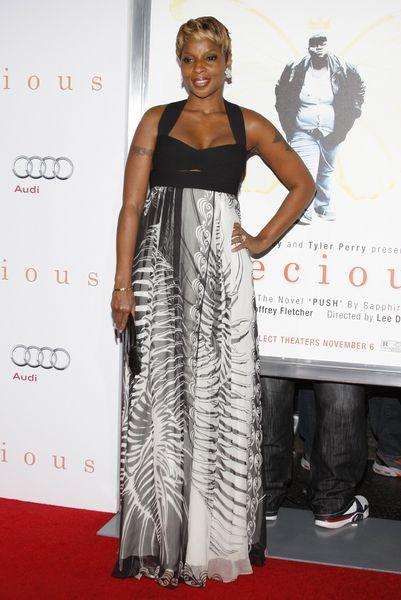 Mary J. Blige w długiej sukni