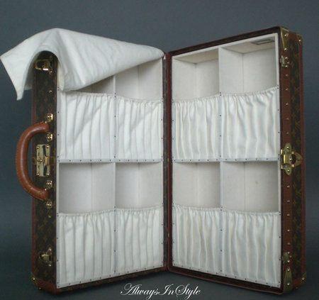 Ponadczasowy kufer Louis Vuitton.