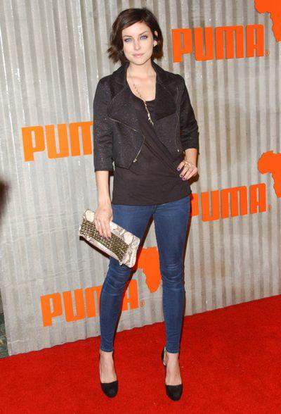 Jessica Strpup w ekstremalnie obcisłych dżinsach