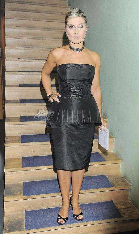 Dwuwarstwowa sukienka Katarzyny Skrzyneckiej
