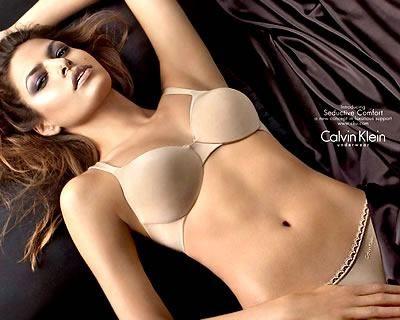 Eva Mendes w bieliźnie Calvina Kleina