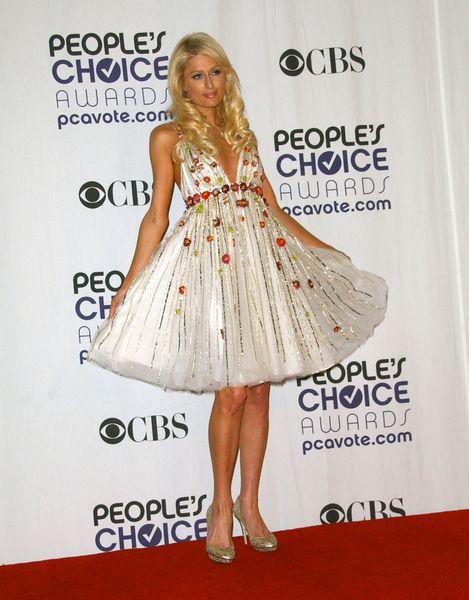 Paris Hilton w kwiatuszkach