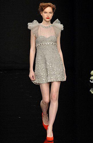 Ashley Tisdale w sukience Jenny Packham