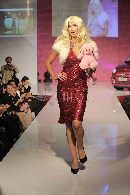 50. lat Barbie - pokaz mody