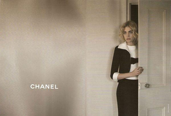 Heidi Mount w reklamie Chanel