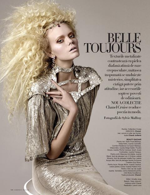 Isa Asklof w rumuńskim Harper's Bazaar.